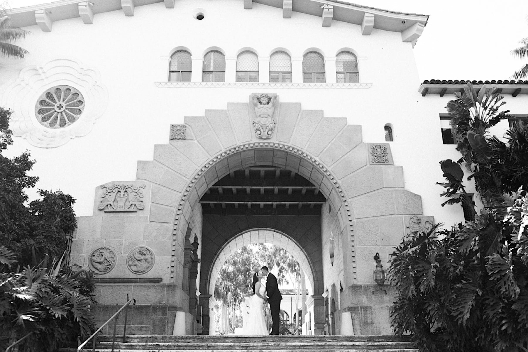 Private Ceremony in the Sunken Gardens at the Santa Barbara Courthouse, Santa Barbara Courthouse Private Ceremony, Ceremony at the Santa Barbara Courthouse, Santa Barbara Courthouse Wedding, How to get married at the santa barbara courthouse, santa barbara courthouse private ceremony, santa barbara courthouse civil ceremony, santa barbara courthouse wedding photographer, Santa Barbara wedding photographer, Wedding in the Sunken Gardens at the Santa Barbara Courthouse